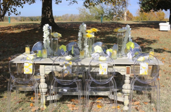 outdoor yellow and silver  dinning table
